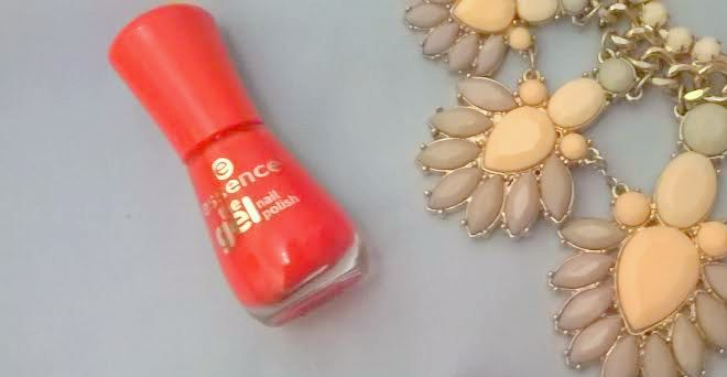 Outfit of the Week: The Bright Red Nails