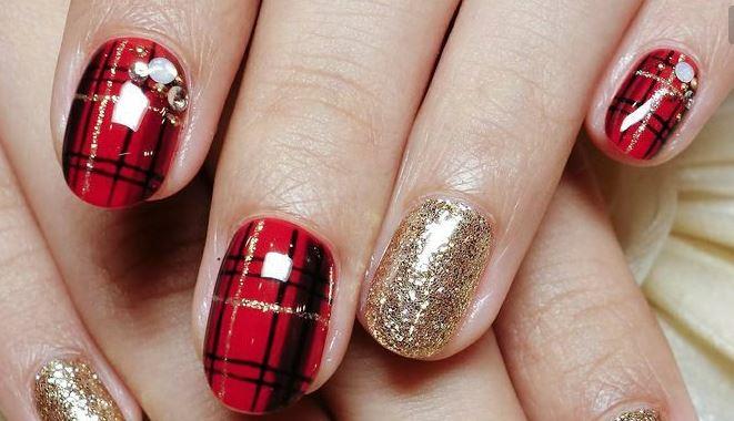 Tartan and glitter nail art